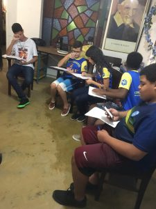 Marianinhos e a preparação para a Feira Bíblica-RJ